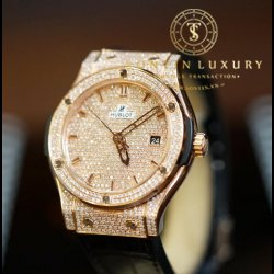 Hublot Classic Fusion Rose Gold Custom Diamond size 42mm like new